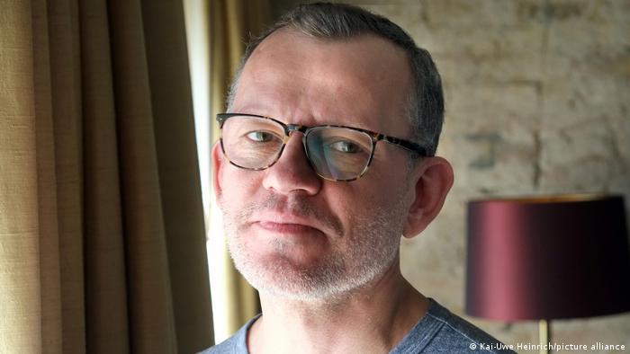Autor e jornalista turco Barbaros Altuğ