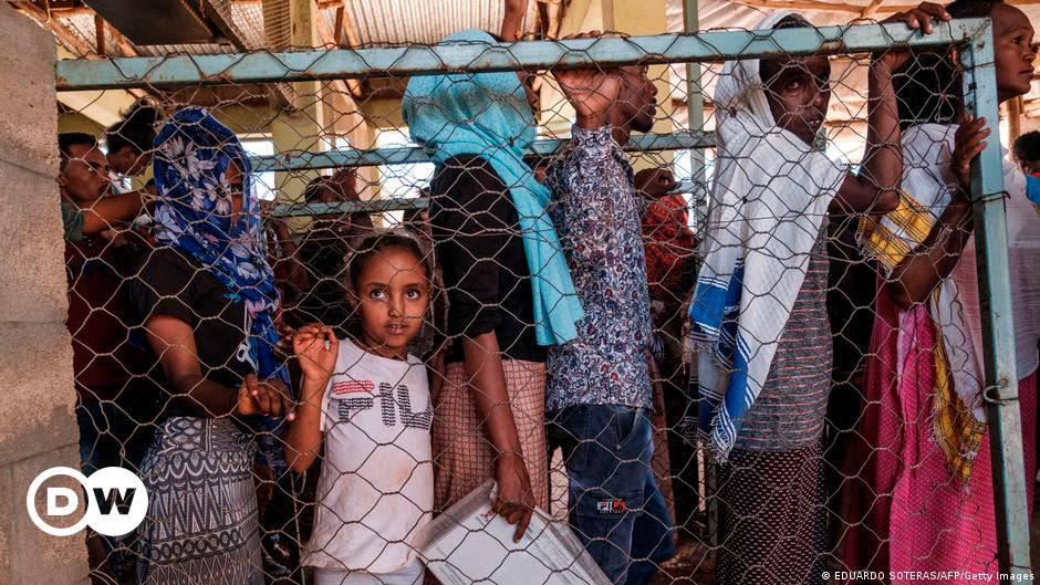 Tigray: UN warns refugee camps are ′running out′ of food
