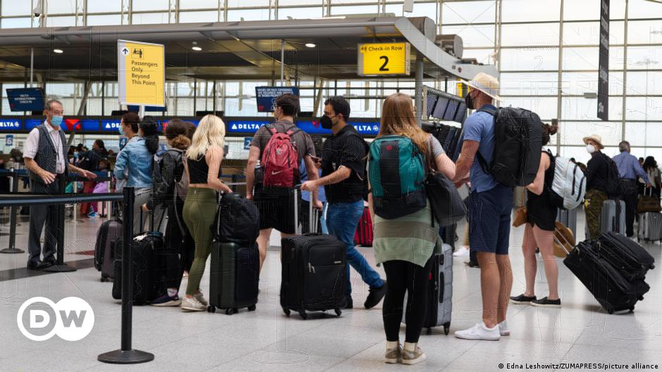 Coronavirus digest: US plans to allow vaccinated foreign travelers