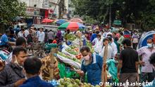 Caption: Bangladesh is under a nationwide strict lockdown since July 1. But residents of Dhaka seem not interested to abide by the rules. The photos were taken on 13.07.2021. Keywords: Bangladesh, corona, lockdown, Dhaka Copyright: Mortuza Rashed