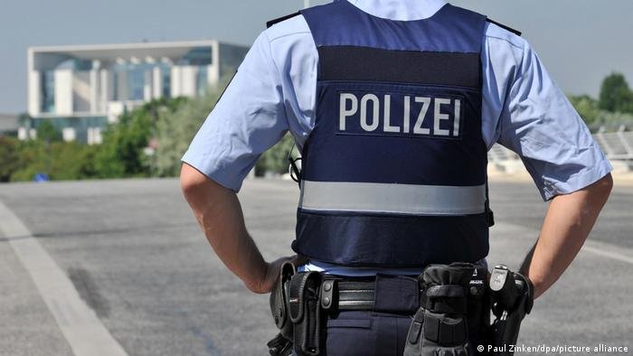 Police officer in Berlin's government district
