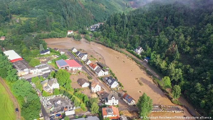 Potpuno poplavljeno mjesto Schuld u Eifelu