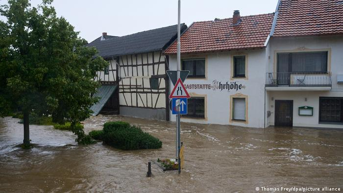 BdT Deutschland Unwetter in Esch Rheinland-Pfalz