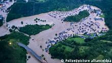 Die von der Polizei zur Verfügung gestellte Luftaufnahme zeigt den vom Ahr-Hochwasser überfluteten Ortsteil Altenburg. +++ dpa-Bildfunk +++