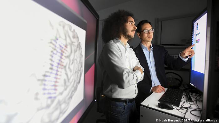 USA Forschung l Neurochirurgie - Dr. Edward Chang, David Moses, University of California