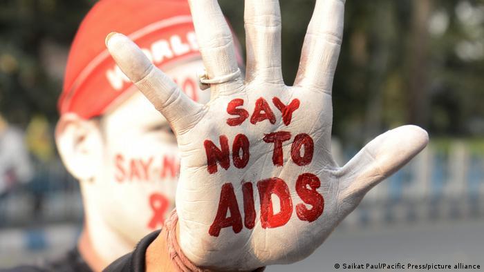 AIDS-Aufklärungskampagnen zum Welt-AIDS-Tag