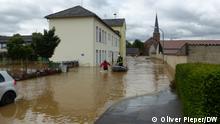 15.07.2021, Rettungsaktion in Heimerzheim, das überflutet ist. Foto: Oliver Pieper/DW