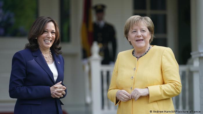 كانت ميركل قد التقت نائبة الرئيس الأمريكي كمالا هاريس صباح اليوم