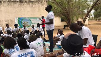 Alexandre Gubert Lette au milieu des jeunes de l'initiative #CallSenegal21