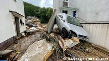 15.7.2021**** Blick in eine Straße in Bad Münstereifel nach schweren Regenfällen und dem Hochwasser der Erft.
