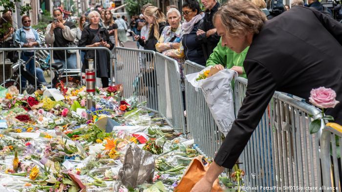 Cvijeće za Petera de Vriesa