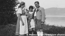 Ruth Morley (M) bei Landausflug mit ihrer Familie (undatiert). (zu dpa-KORR «Ewige Wienerin»: Nachkommen von NS-Opfern wieder Österreicher) +++ dpa-Bildfunk +++