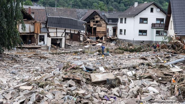 Unwetter in Schuld I Rheinland-Pfalz