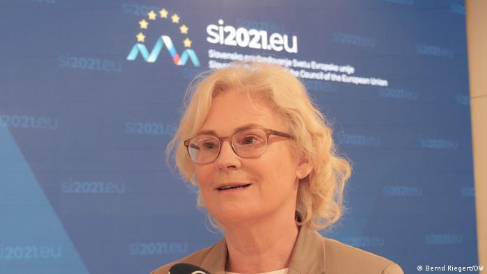 Szefowa niemieckiego resortu sprawiedliwości Christine Lambrecht (SPD) domaga się egzekwowania prawa unijnego
