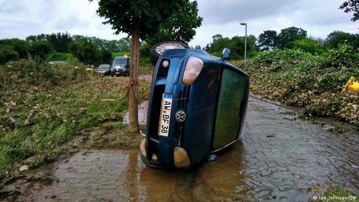 در آخرین گزارش منتشر شده، از کشته شدن دستکم ۱۳۵ نفر در اثر بارندگی شدید و سیلاب ناشی از آن سخن میرود. این در حالی است که میزان خسارات وارده به تاسیسات و منازل ساکنان این کشور هنوز ناروشن است.