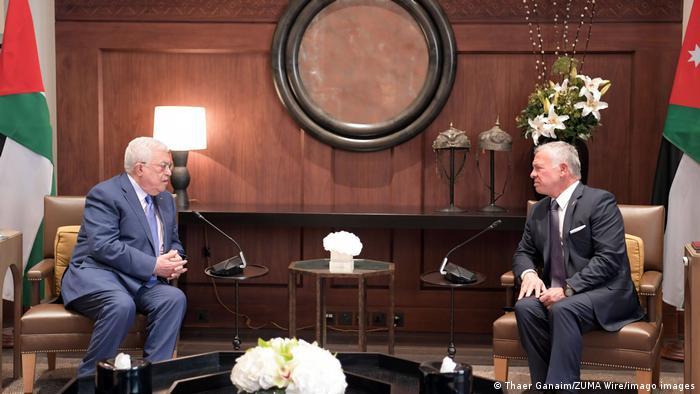 Palestinian Authority President Mahmoud Abbas and Jordan's King Abdullah