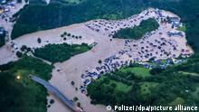 Altenahr, 15/07/2021*** Die von der Polizei zur Verfügung gestellte Luftaufnahme zeigt den vom Ahr-Hochwasser überfluteten Ortsteil Altenburg. +++ dpa-Bildfunk +++