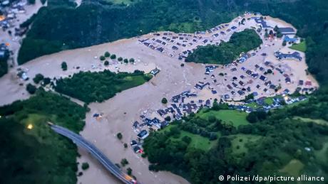 Deutschland Unwetter in Rheinland-Pfalz Altenahr Alteburg nachher