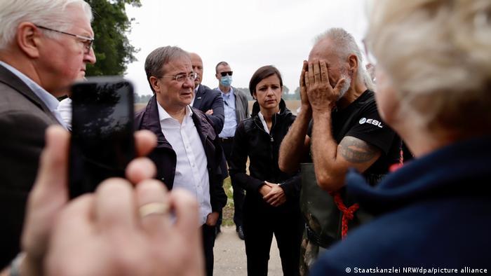 Deutschland Unwetter Steinmeier und Laschet in Erftstadt