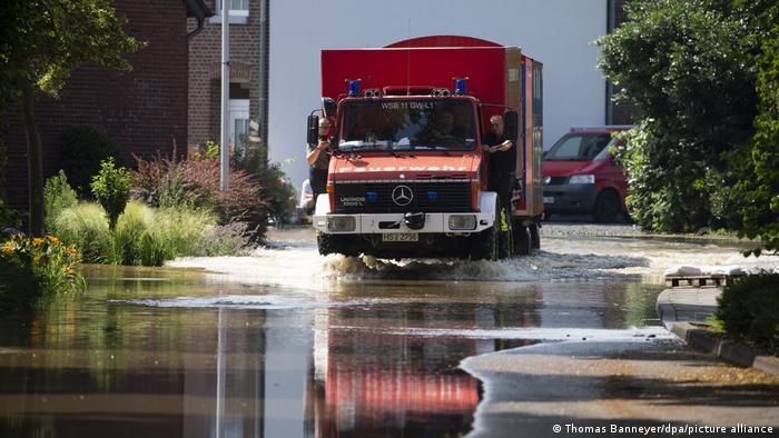 Пожарникарите-доброволци са на първа линия в борбата със стихиите