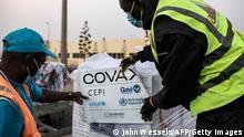 Senegal Coronavirus l Flughafen von Dakar, Covax, Impfdosen