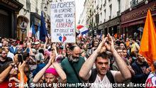 ©Sadak Souici / Le Pictorium/MAXPPP - Sadak Souici / Le Pictorium - 17/07/2021 - France / Ile-de-France / Paris - Plusieurs centaines de personnes se sont rassemblees a Paris contre le pass sanitaire. / 17/07/2021 - France / Ile-de-France (region) / Paris - Several hundred people gathered in Paris against the health pass. 17/7/2021 in Paris