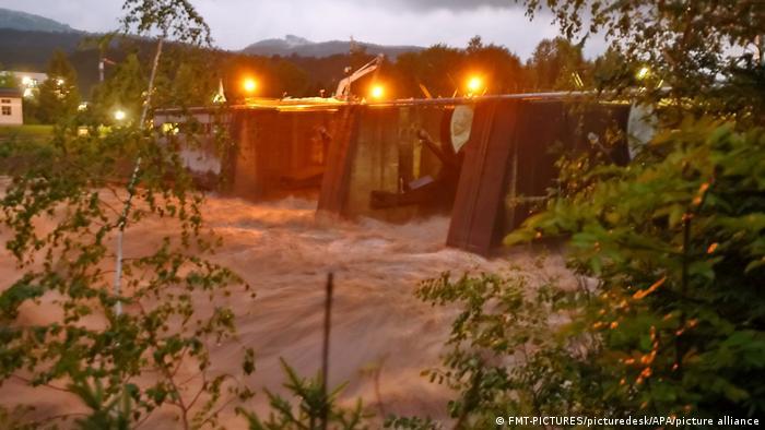 Salzburg I Hochwasser in Hallein