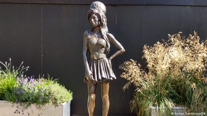 Statue of Amy Winehouse in Camden