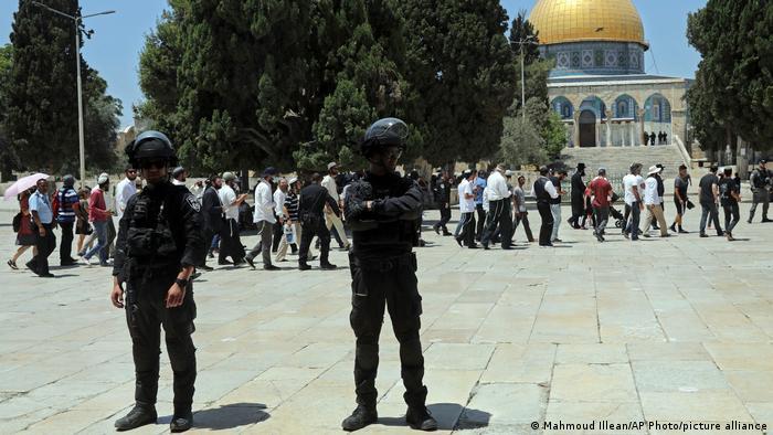 В Иерусалиме - новые столкновения палестинцев и израильской полиции | Новости из Германии о событиях в мире | DW | 18.07.2021