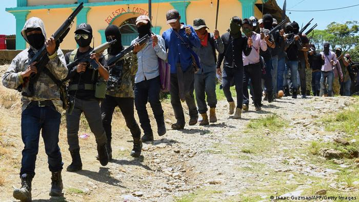 Foto de grupo autodenominado El Machete de Chiapas