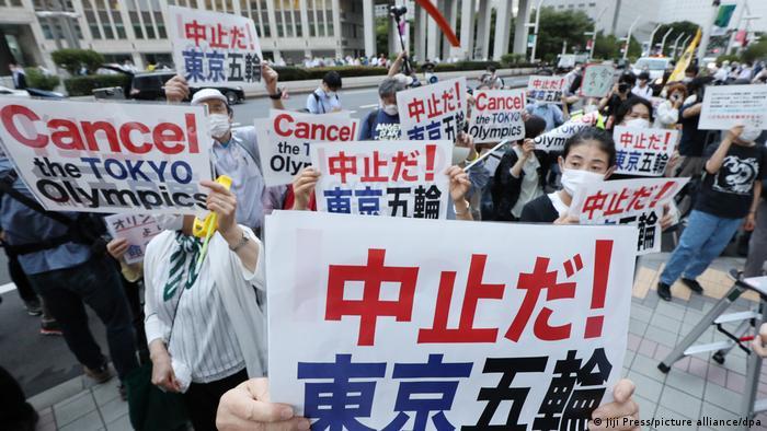 Protesto contra os Jogos Olímpicos em Tóquio