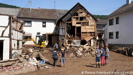 Uništena kuća u selu Schuld