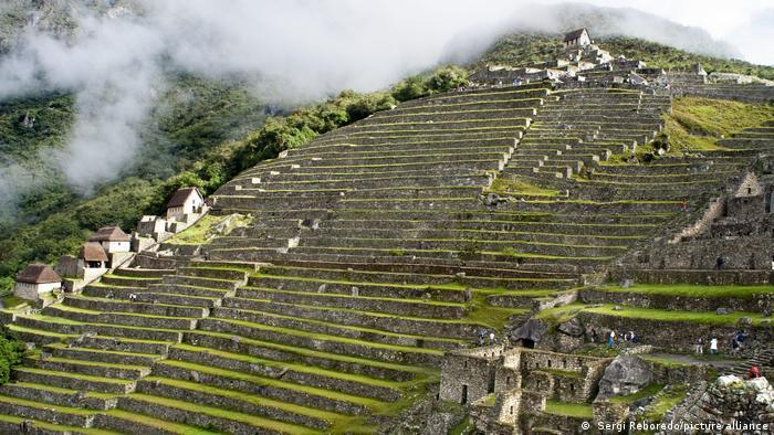 Peru Machu Picchu Tourismus Terrassen Archäologie