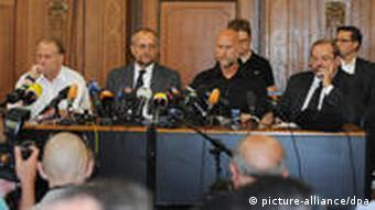 Press conference with police and organizers