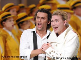 Singers Jonas Kaufmann and Annette Dasch perform Richard Wagner's 'Lohengrin'
