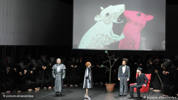 Performers on stage in 2010 for Lohengrin