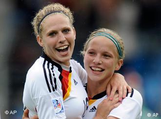 Немецкие футболистки фото