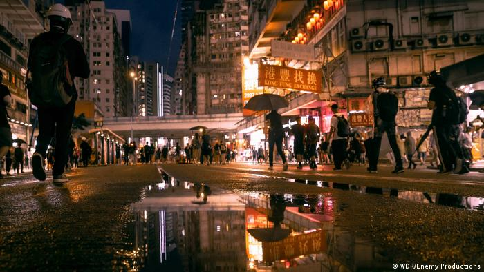 纪录片《香港:一座起来抗争的城市》中的画面
