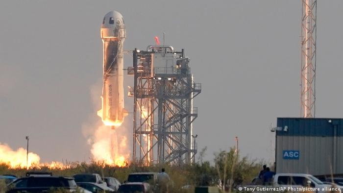 Decolagem da cápsula New Shepard, da Blue Origin