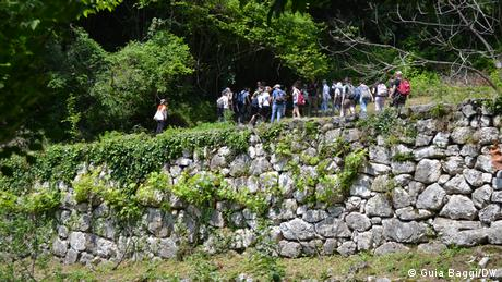 Students from Padua University visit restored terraces in northern Italy