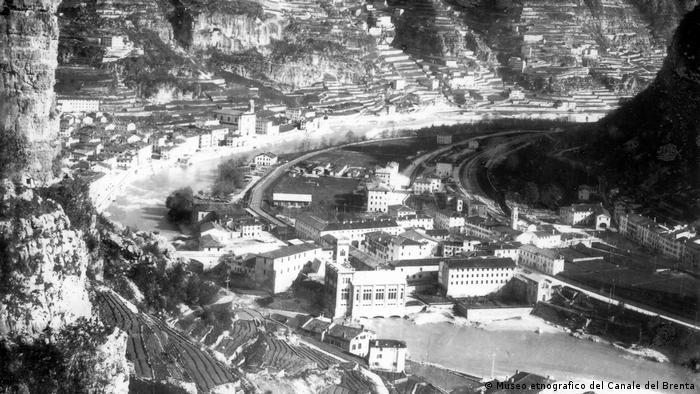 Historisches Foto der Terrassen in Valstagna