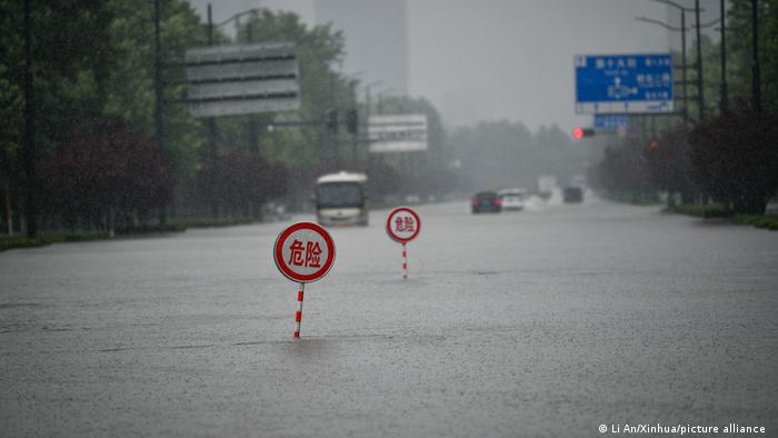 China I Hochwasser in Zhengzhou