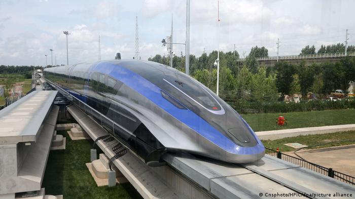 China Qingdao   Technik   Schnellester Zug der Welt