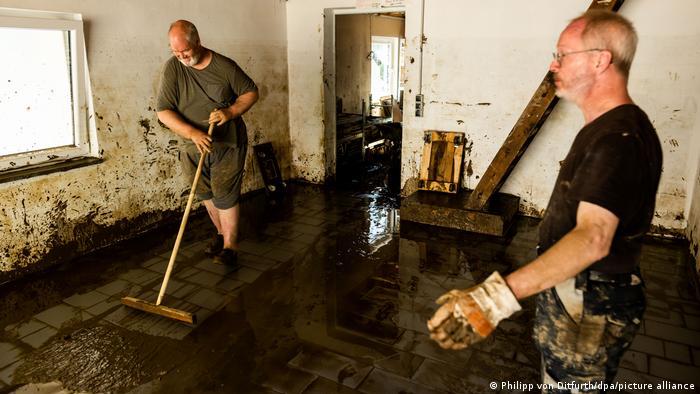 Deutschland Unwetterkatastrophe |Aufräumarbeiten in Rheinland-Pfalz