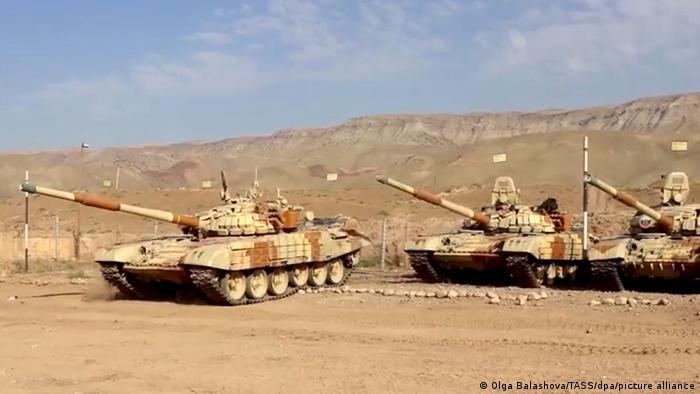 Tadschikistan   Russisches Militär auf Trainigsgelände nahe afghanischer Grenze