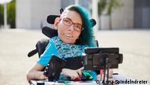 Melanie Eilert, bloggt über Inklusion. Macht sich stark für Accessibility in Games. Liebt Musicals.