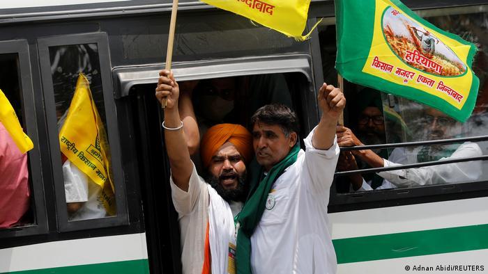 Agricultores indianos protestam contra reformas de Modi
