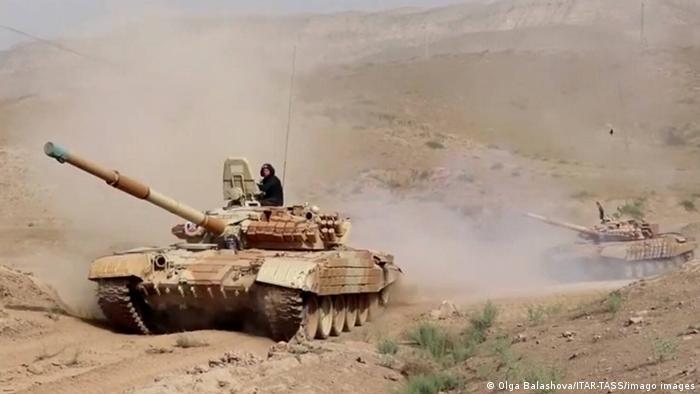 Russische Panzer bei einer Übung in Tadschikistan
