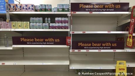Αγγλία: Ελλείψεις στα σουπερμάρκετ λόγω καραντίνας