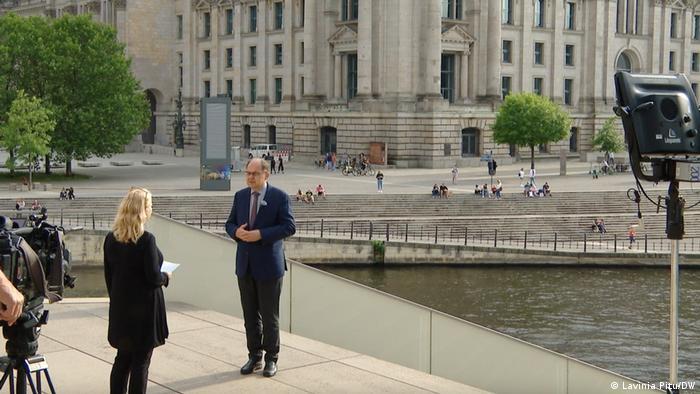 Glavna i odgovorna urednica redakcije DW za Evropu Adelhaid Fajlke u intervjuu sa novim visokim predstavnikom u BiH Kristijanom Šmitom
